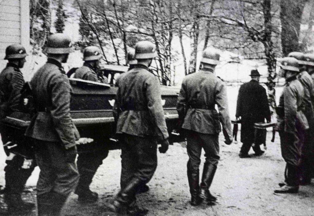 Begravelse av de omkomne etter Rio de Janeiros forlis i 1940