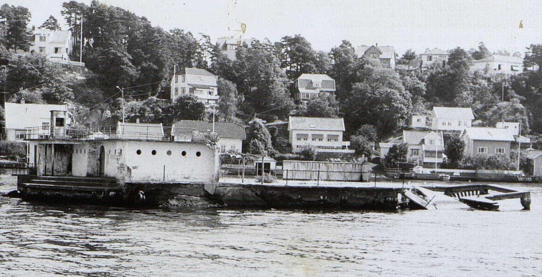 Knubben etter sprenging av stupetårnet i 1980