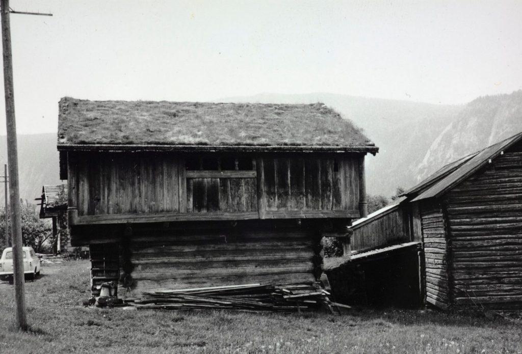Loftshus på Haugen i Bygland fotografert i 1965