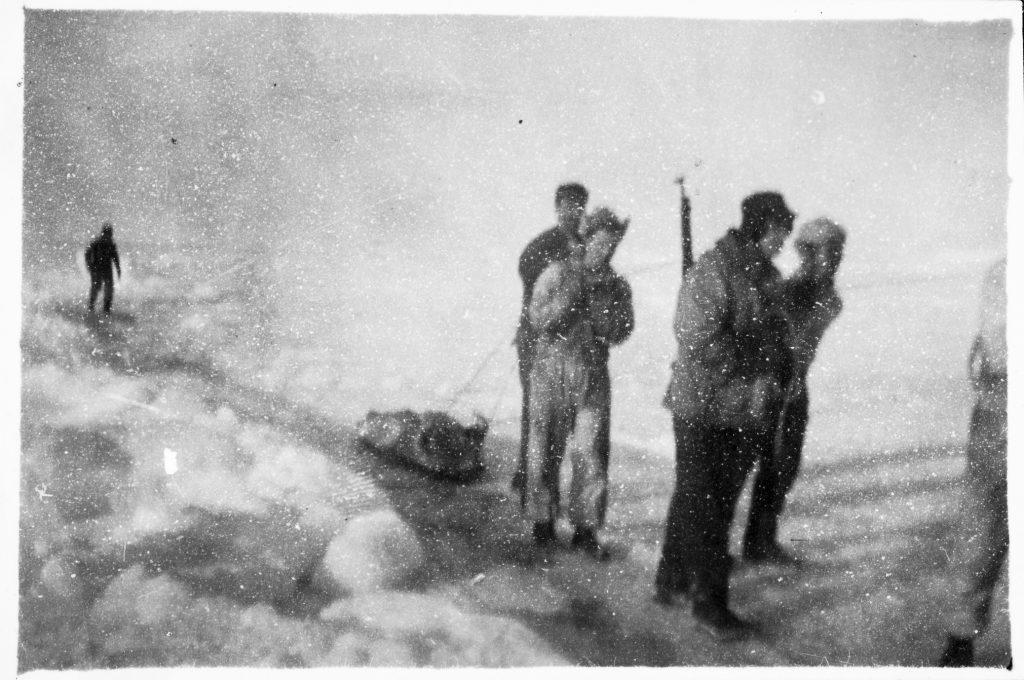 Soldater fra den norske garnisonen på Jan Mayen driver selfangst