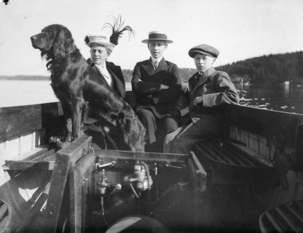 På tur i Tromøysund sommeren 1916