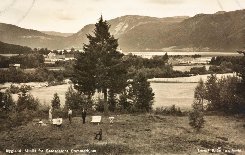 Utsikt fra Setesdalens Sommerhjem. Foto: P.M. Danielsen