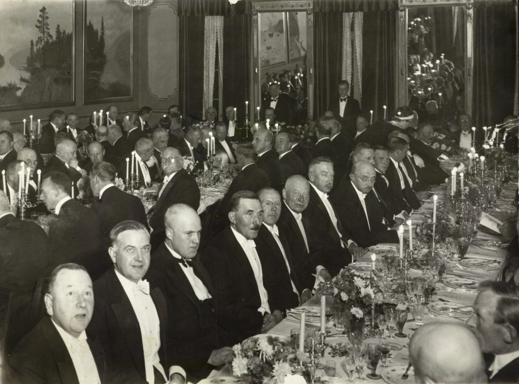 Festmiddag på Arendal rådhus 9. november 1935