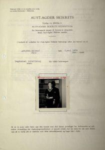 Forslag til tildeling av Aust-Agder idrettskrets hederstegn til Asbjørn Moland 1969 s. 1