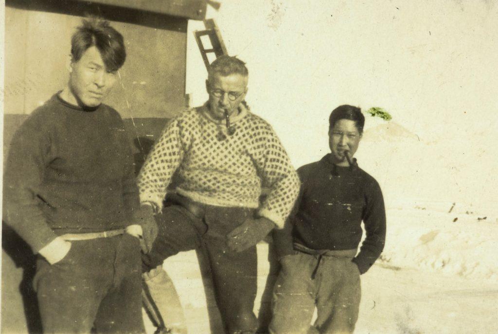 Utenfor fangsthytta i Hamna