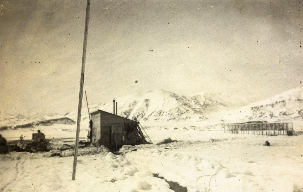 Fangststasjonen Hamna med revegården