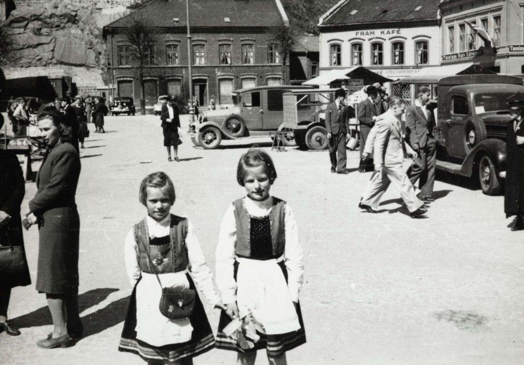 Torvet i Arendal 17. mai 1940