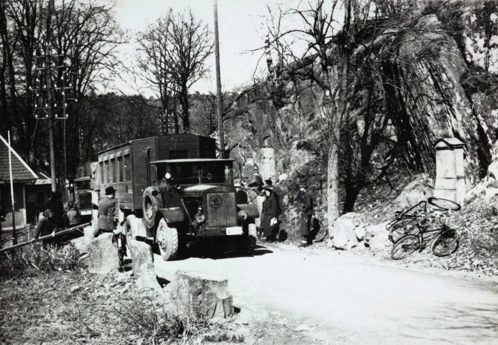 Tyske lastebiler på Parkveien i Arendal april 1940