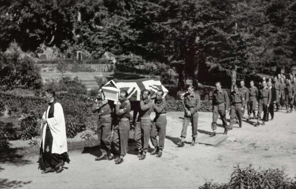 Britisk begravelse på Arendal kirkegård 22.06.2020