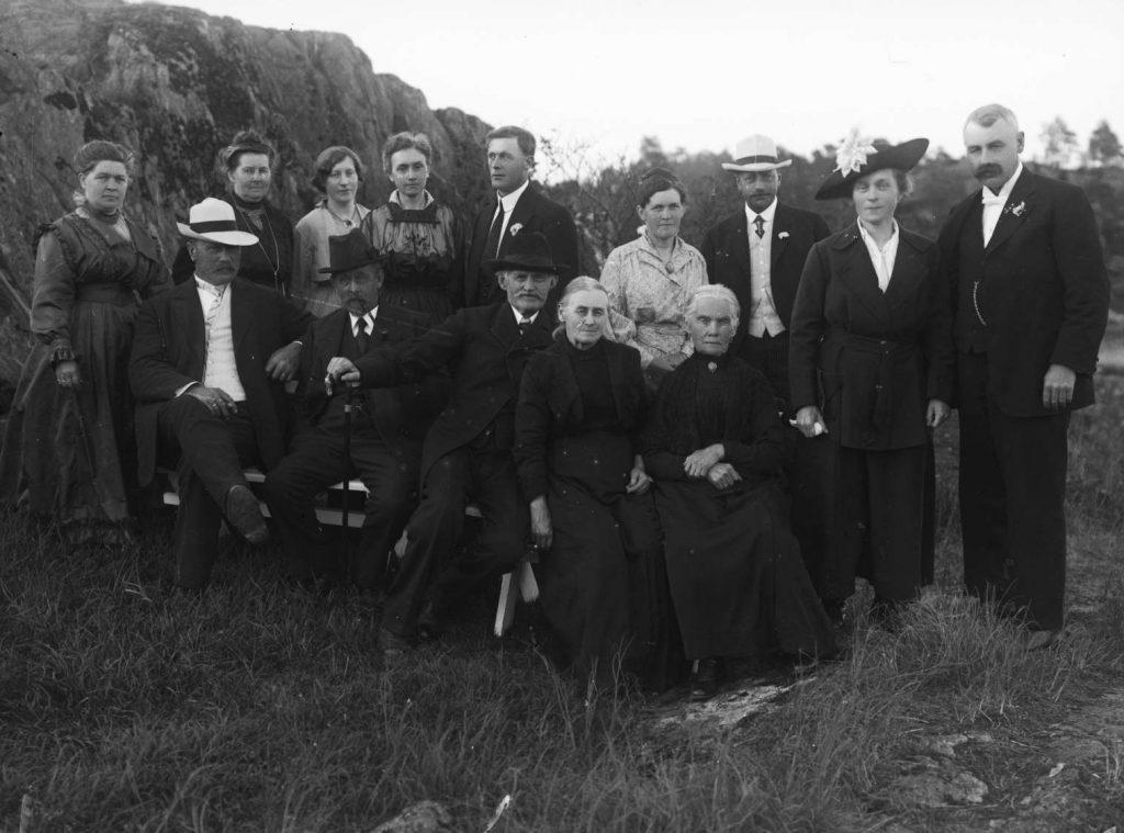 Gruppeportrett fra Gustav Nordbergs bryllup i 1917