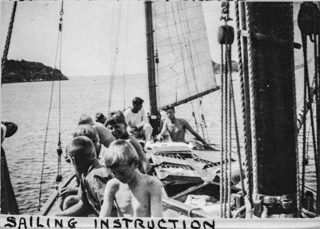 Kurs i seiling ved Sørlandets sommerleir i Lillesand 1930-tallet