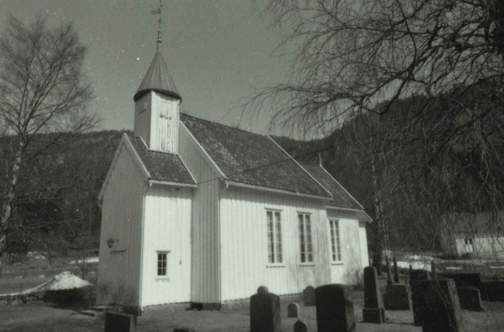 Tovdal kirke 1984. Foto: Sigrid E. Nilsen