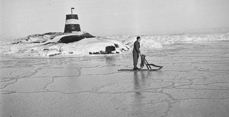 På spark langs sørlandskysten februar 1940. Foto: Leif Ødegaard