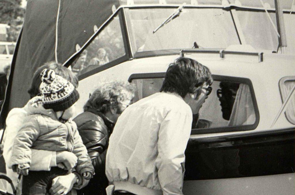 Skulystne besøkende på Sørlandets Båtmesse 1981