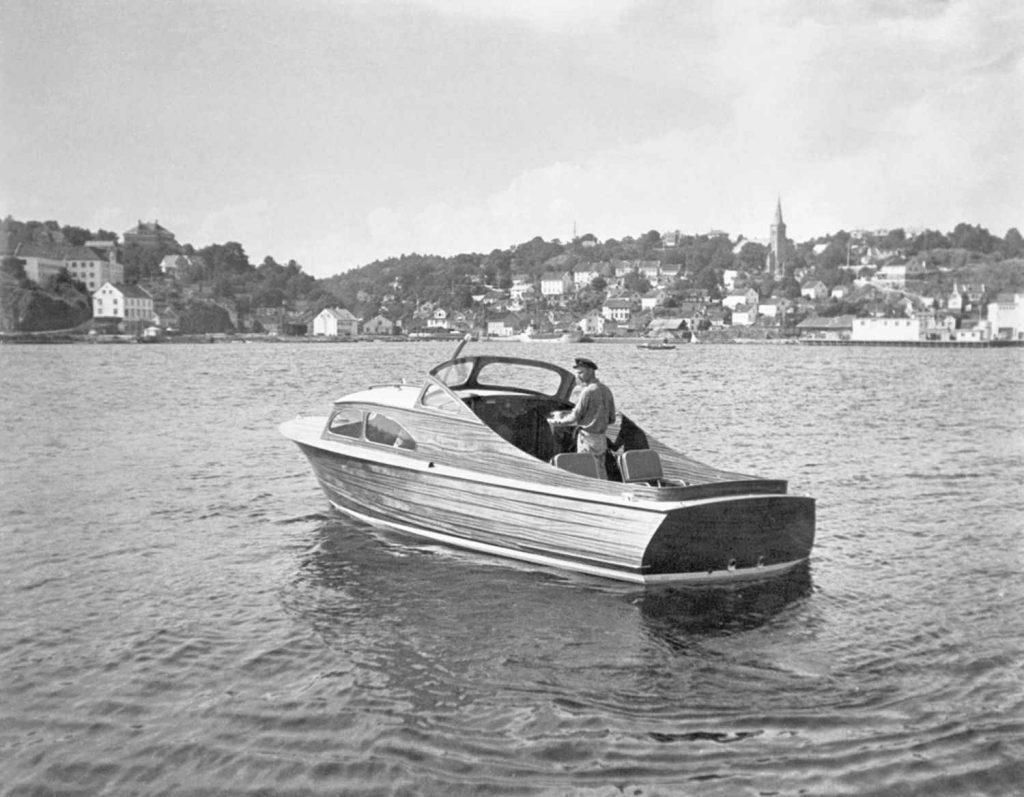 24 foter fra Skilsø Baatbygeri bygget for eksport 1952 og 53