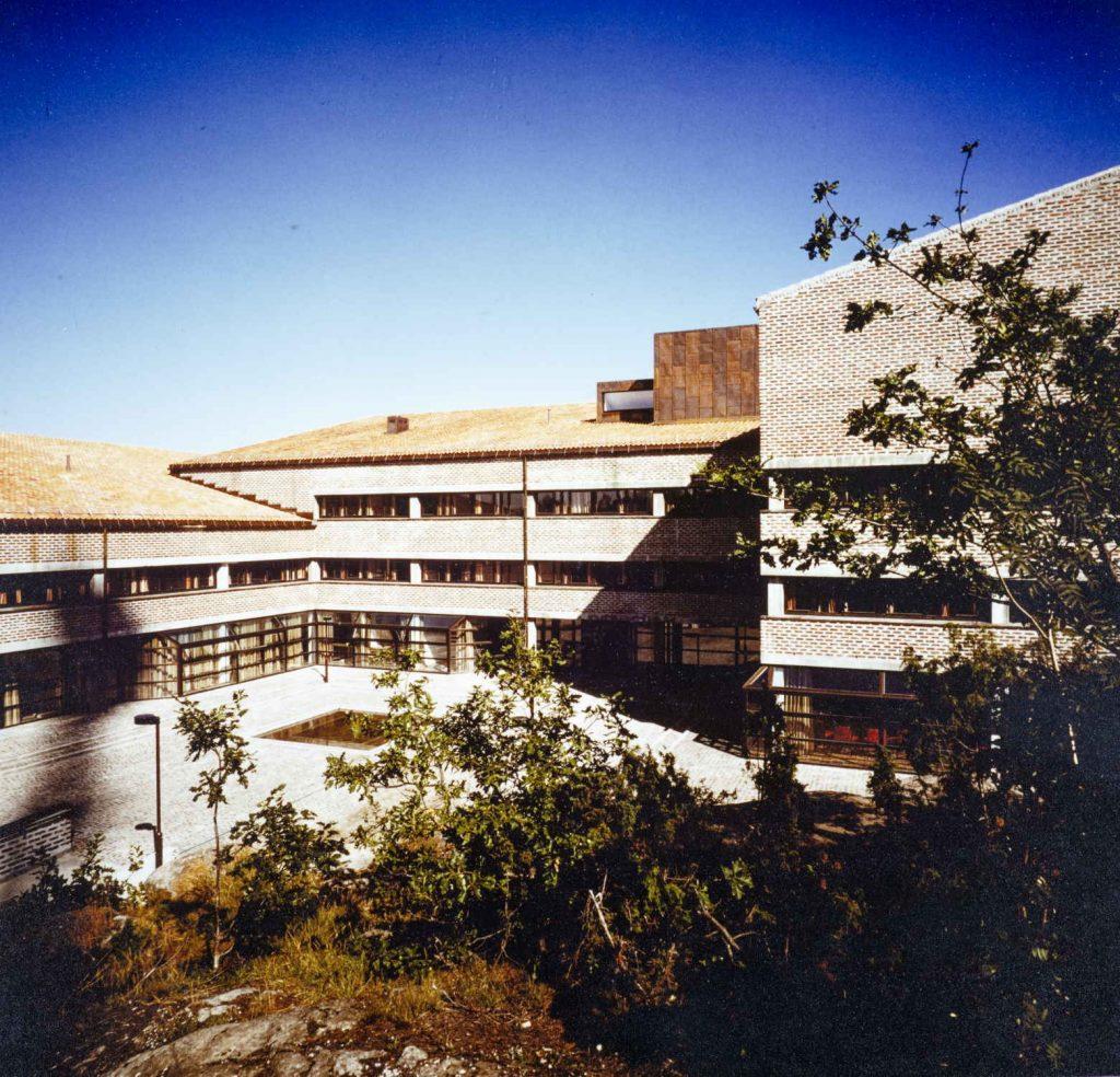 Inngangen til fylkeshuset i Arendal