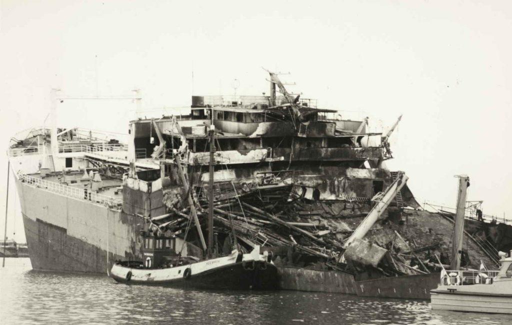 """Store ødeleggelser på M/T """"Ronastar"""" etter eksplosjonen i 1965"""