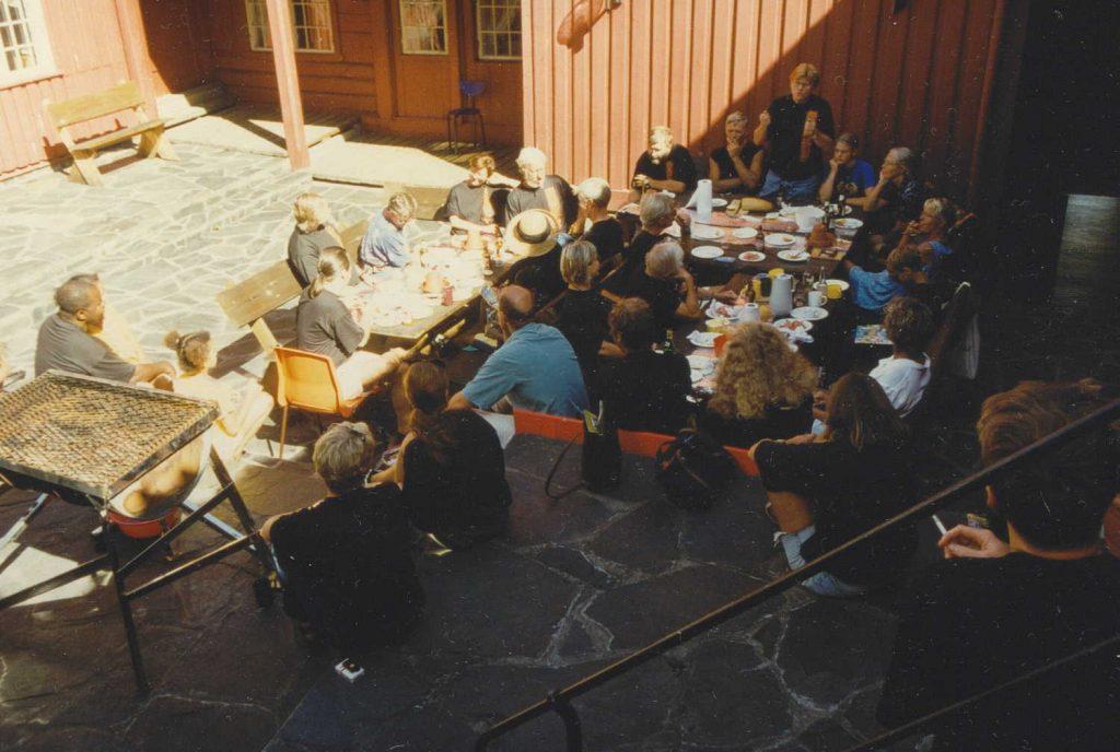 SV på Bakgården i Arendal under valgkampåpningen 23.08.1997