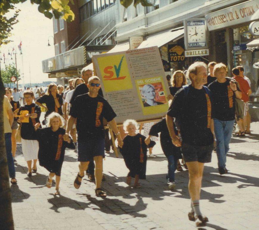 SV under valgkampåpningen i Arendal 23.08.1997